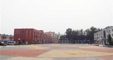 新乡县龙泉中学